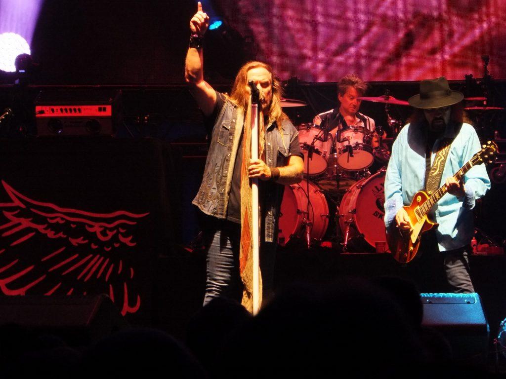 Lynyrd Skynyrd: Johnny Van Zant, Michael Cartellone, Gary Rossington